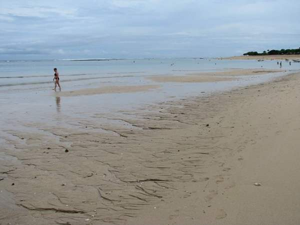 Travel-to-Bali-low-tide-sea-Glimpses-of-The-World