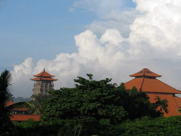 Travel-to-Bali-clouds-Glimpses-of-The-World