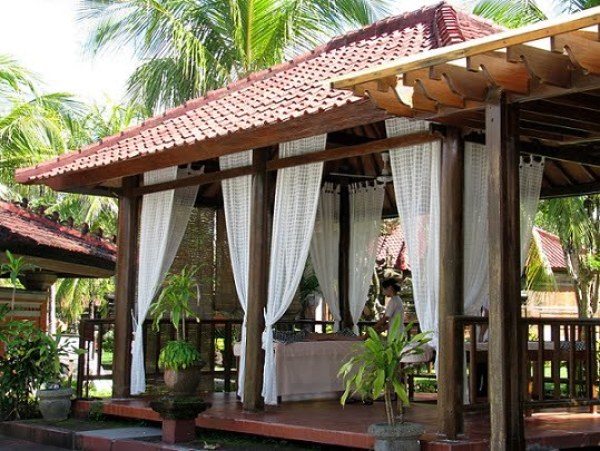Bali-island-pool-massage-Glimpses-of-The-World