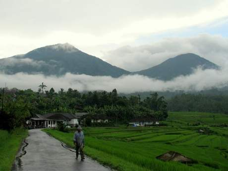 Travel-to-Bali-clouds-inland-Glimpses-of-The-World