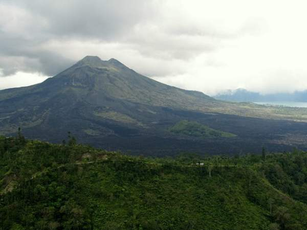 Travel-to-Bali-Mount-Agung-volcano-Glimpses-of-The-World