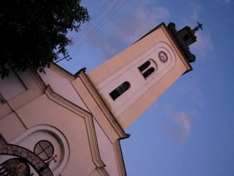 Serbia-travel-Iron-Gate-Donji-Milanovac-Glimpses-of-The-World