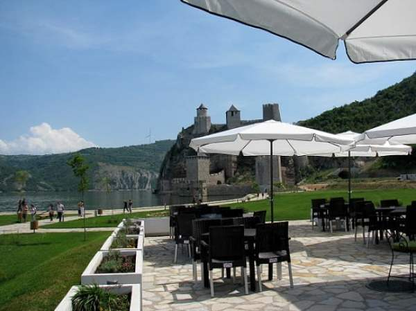 Serbia-travel-Golubac-Glimpses-of-The-World