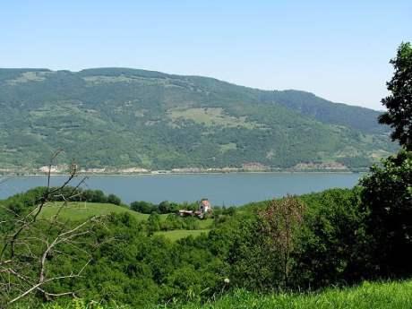 Serbia-travel-Danube-Glimpses-of-The-World