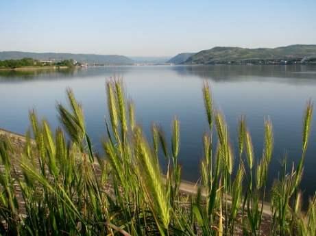 Serbia-travel-Danube-Kladovo-Glimpses-of-The-World
