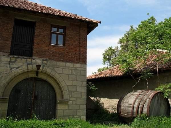 Serbia-travel-Rajac-Pimnice-Glimpses-of-The-World