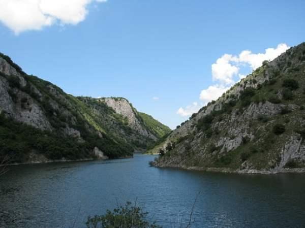 Serbia-travel-Uvac-Zlatar-Glimpses-of-The-World
