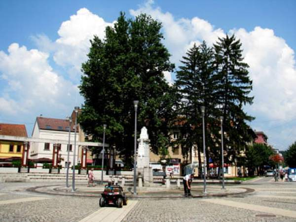 Serbia-travel-Pozega-town-Glimpses-of-The-World