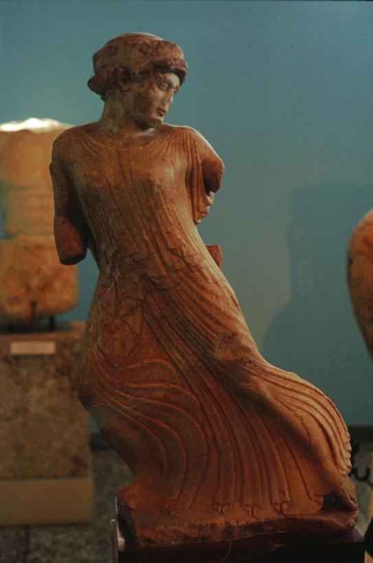 Kore-Persefone in fuga ad Eleusi (oppure ninfa nell'Oceano)