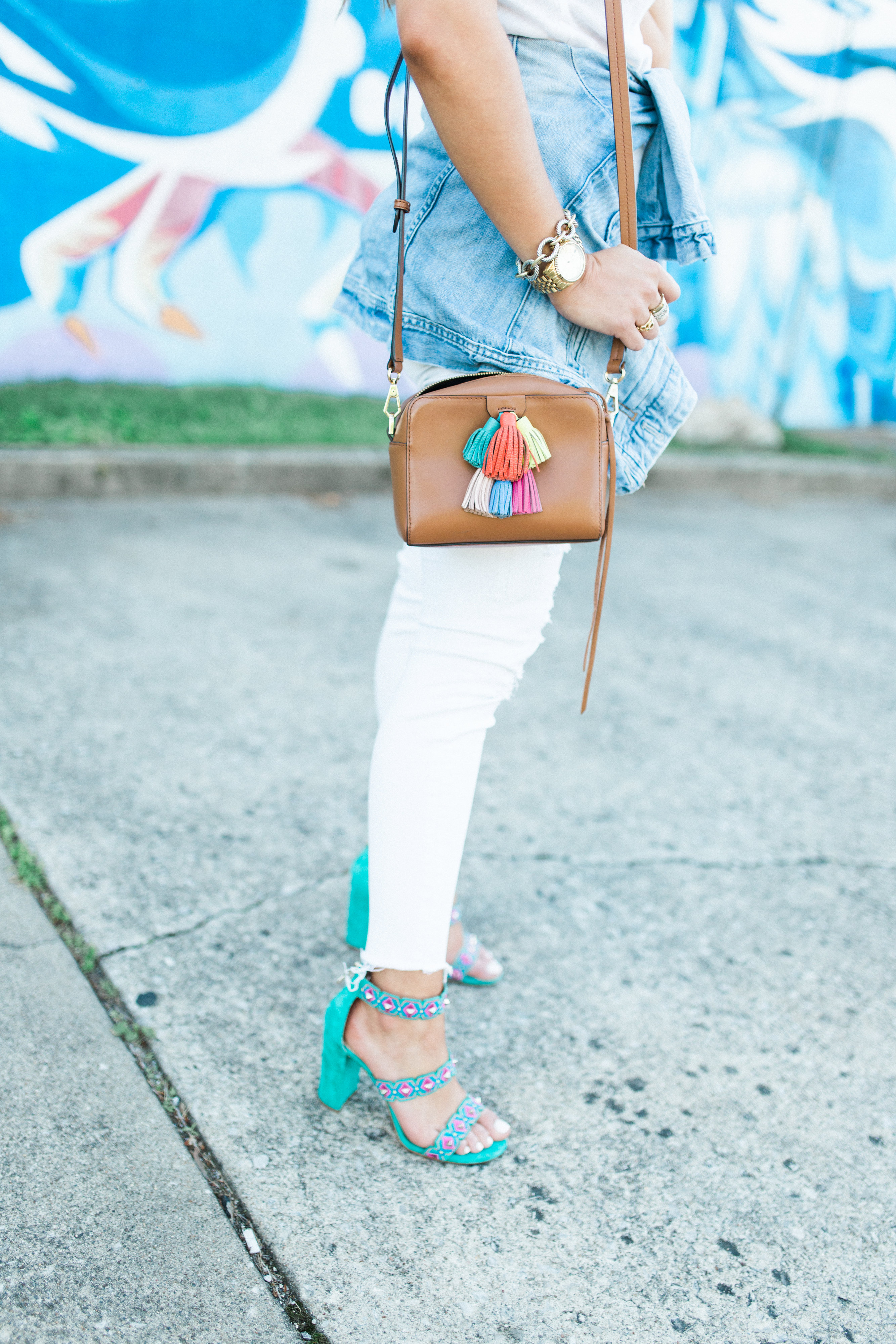 All White Outfit via Glitter & Gingham / 5 Sales you need to shop & a $1,000 Nordstrom Giveaway
