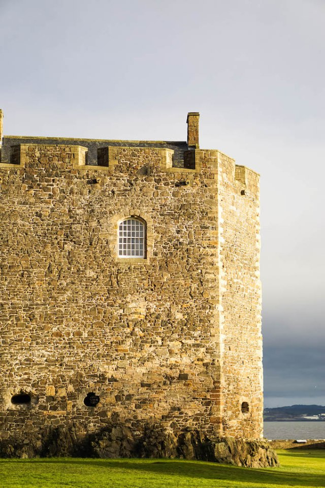 Blackness Castle, things to do in Edinburgh, castles close to Edinburgh