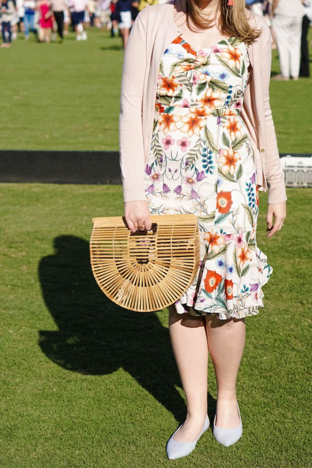 Spring outfit inspiration blogger, Dallas fashion and style blogger, pattern mixing example, comfortable flats for spring