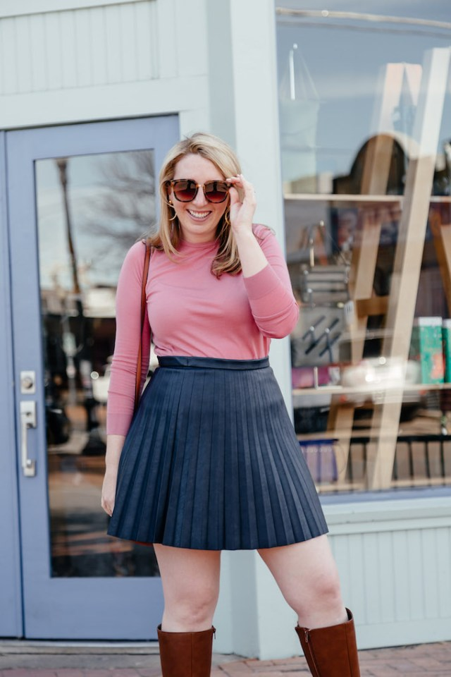 How to Stay Organized Working From Home, cute date outfit for spring, what to wear for chilly spring day