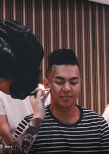 AAMI customers a Glitter Girl Mardi Gras Makeover