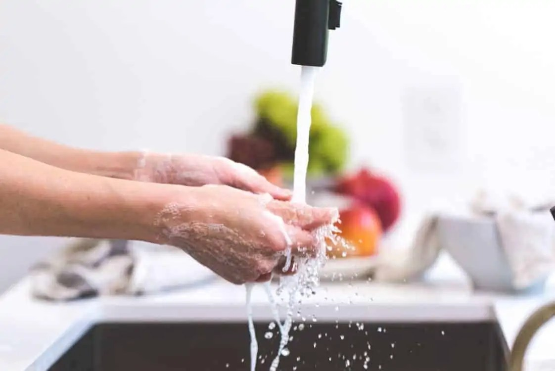 13 ways to stay healthy during winter wash your hands