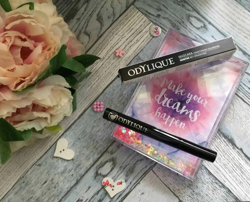 Give your lashes the organic treatment with Odylique Mineral mascara