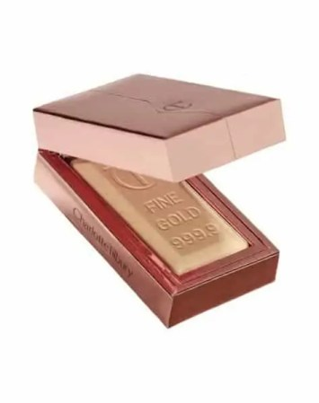 how to get a lit within glow on winter skin charlotte tilbury bar of gold highlighter