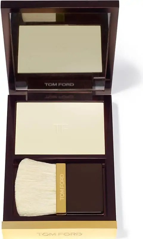 how to get a lit within glow on winter skin tom ford illuminating powder