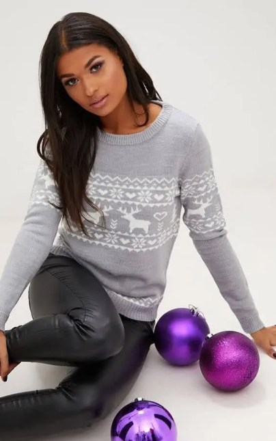 some of the best christmas jumpers for the festive season prettylittlething reindeer jumper