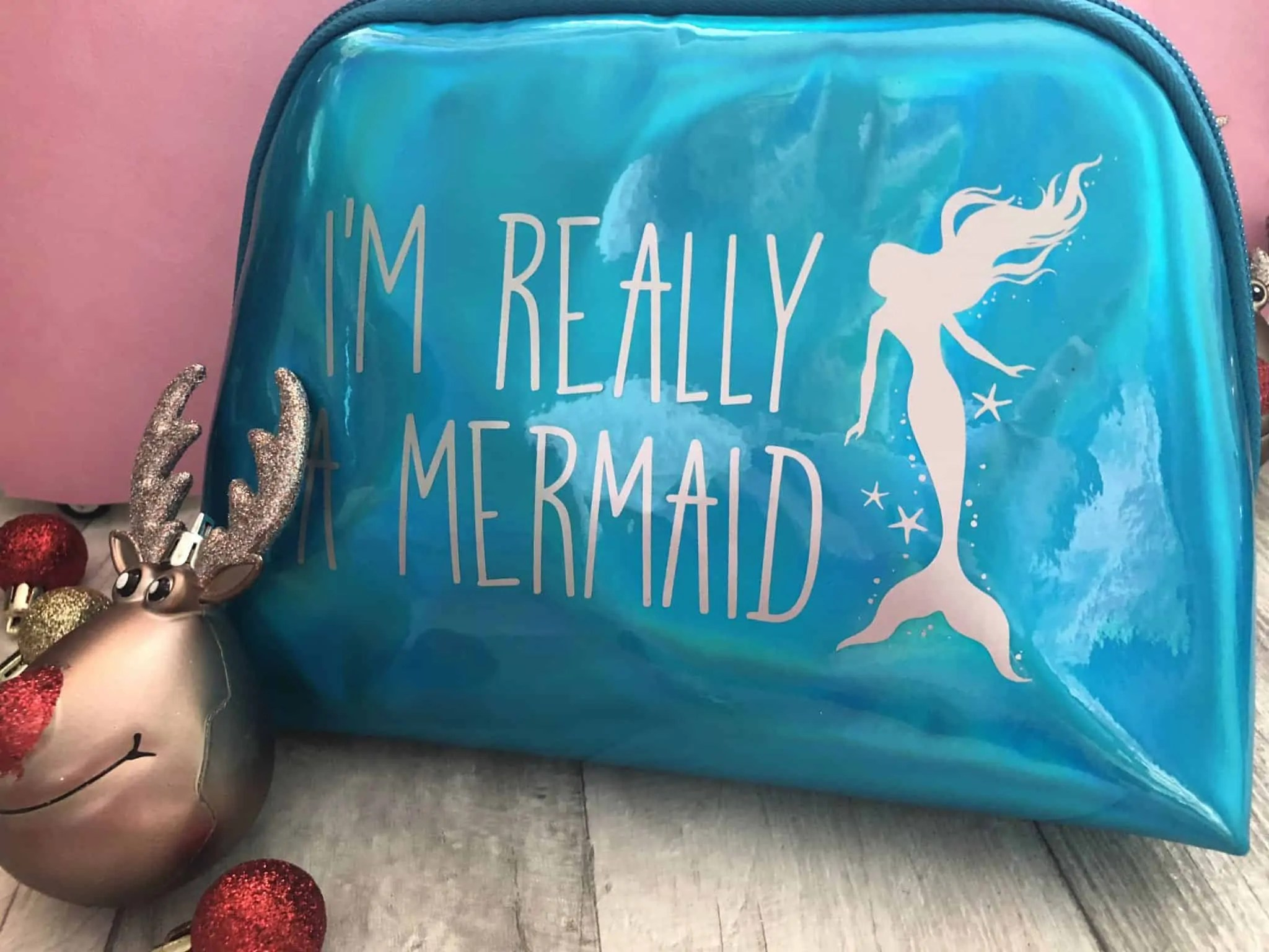 Last minute budget friendly Secret Santa gifts for her from B&M i'm really a mermaid makeup bag