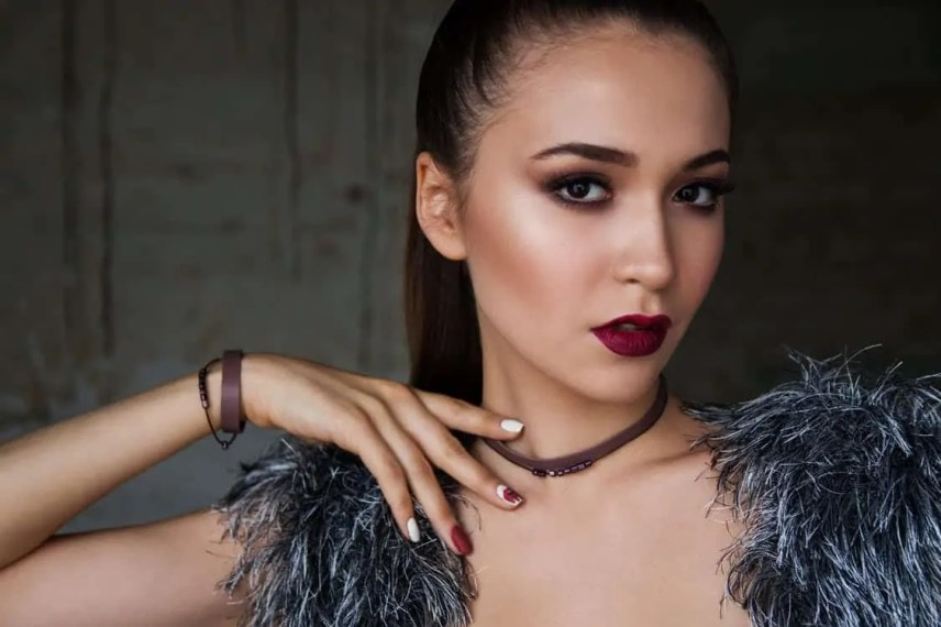 Stand out at your Christmas do with the mulled wine lip tutorial