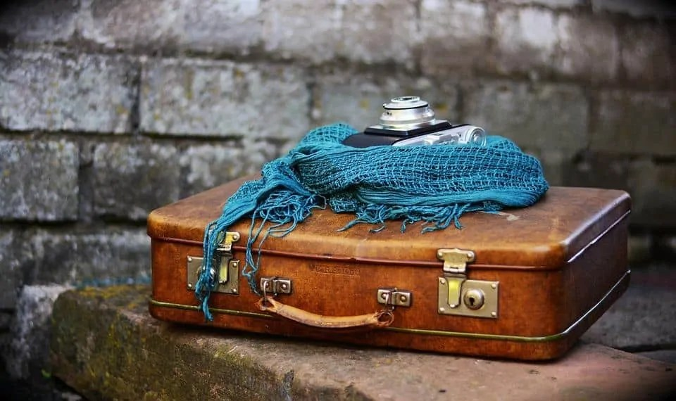 how to afford a great holiday without spending lots of money weigh your baggage