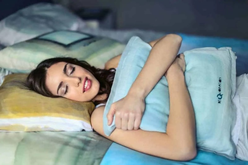 how to become a morning person go to sleep when you're tired