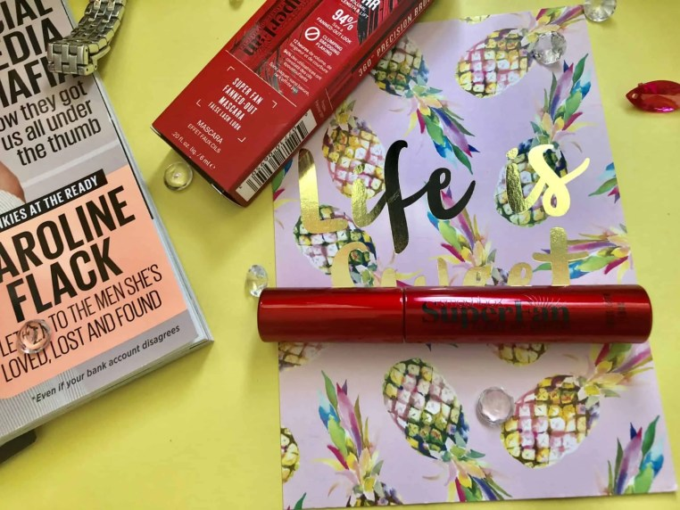 Get the ultimate false lash look with Smashbox Super Fan Fanned out mascara 1