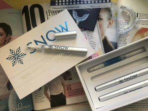 Make a great first impression with Snow teeth whitening kit