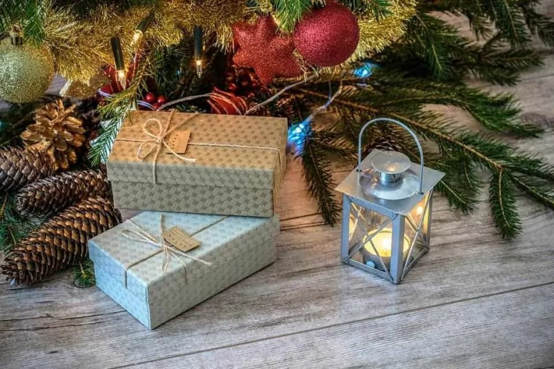 Surprise your family at Christmas with Red Letter Days experience gifts christmas tree