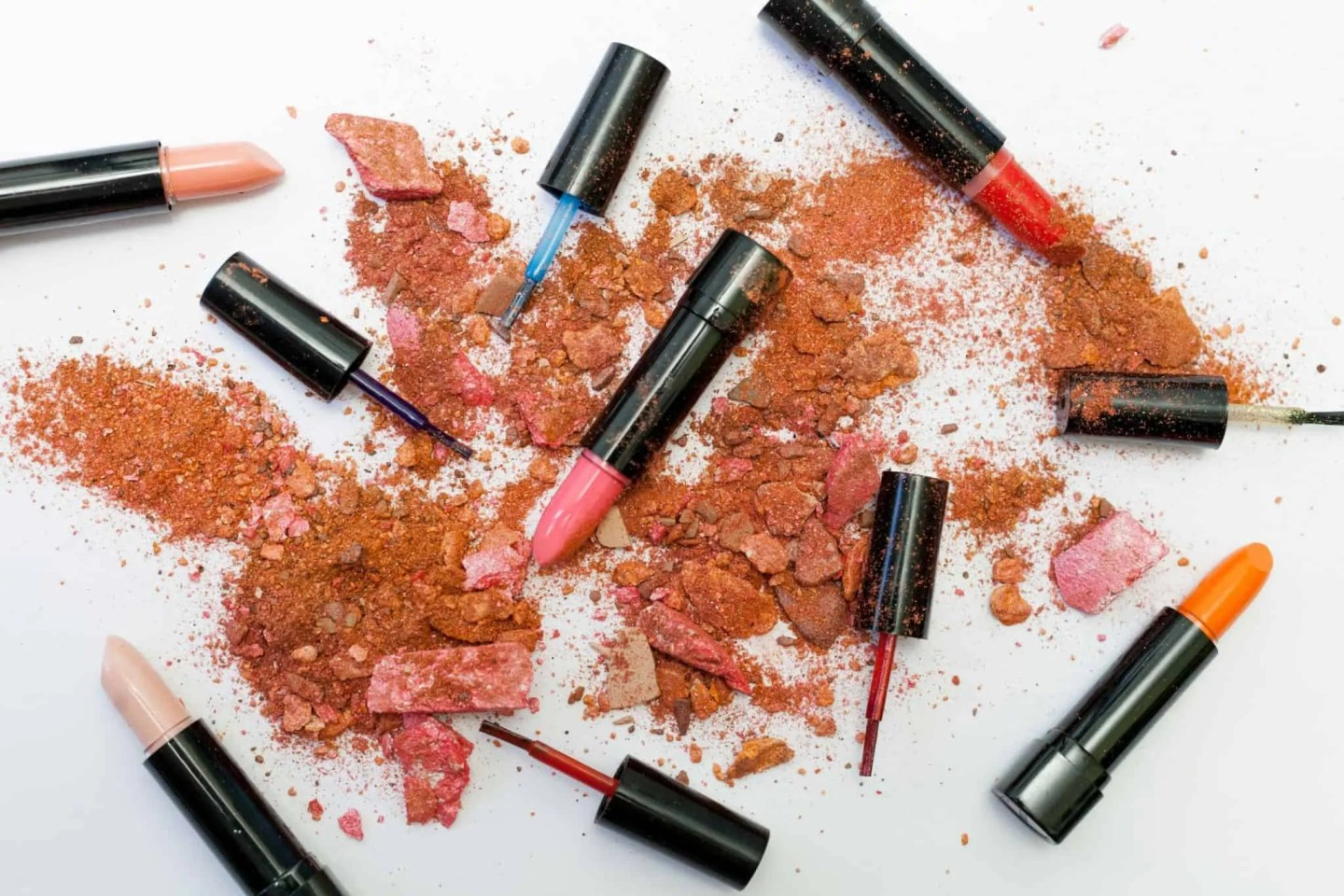 February's best free makeup samples and beauty goodies