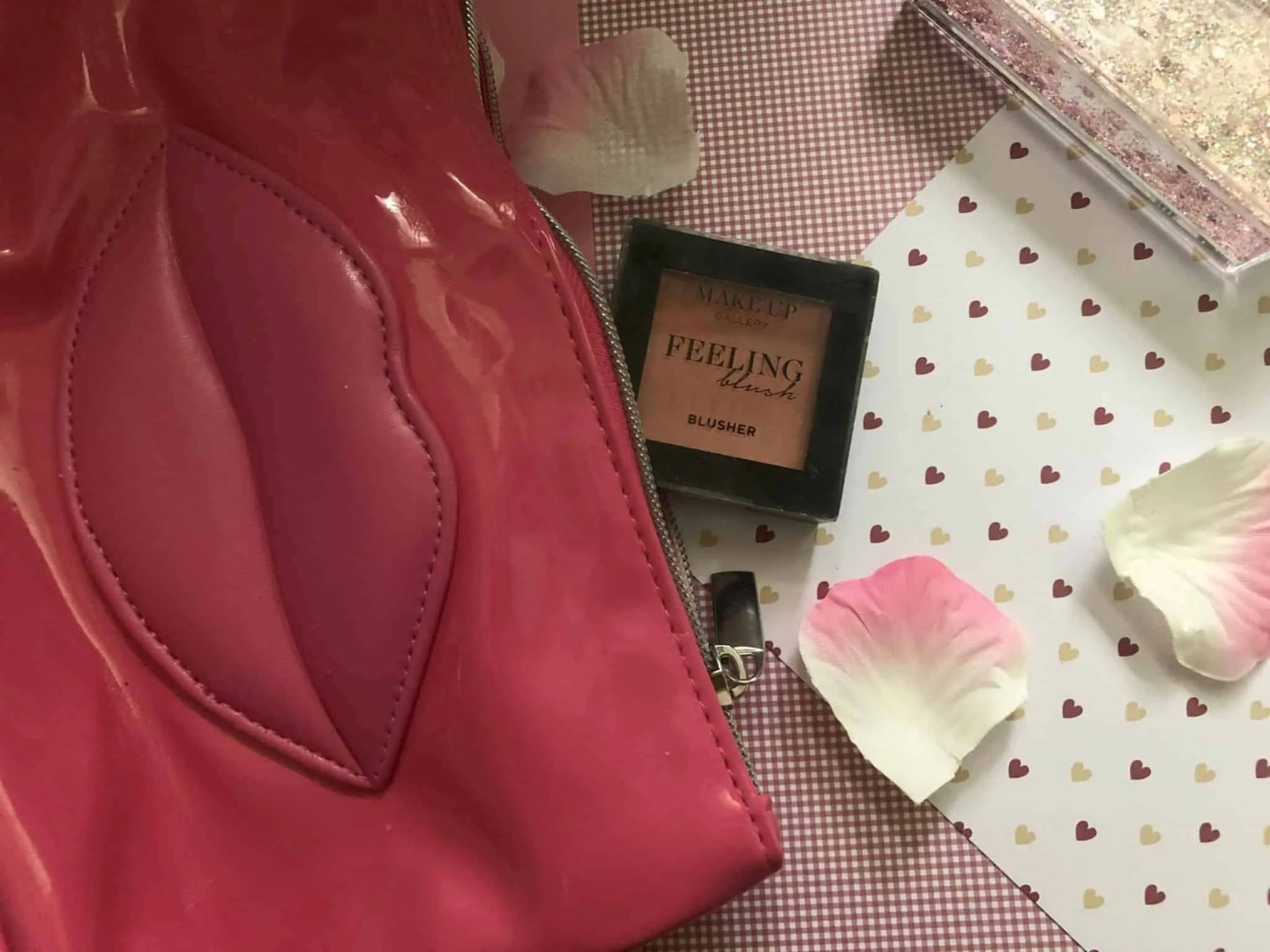 What's in my makeup bag winter edition makeup gallery blusher