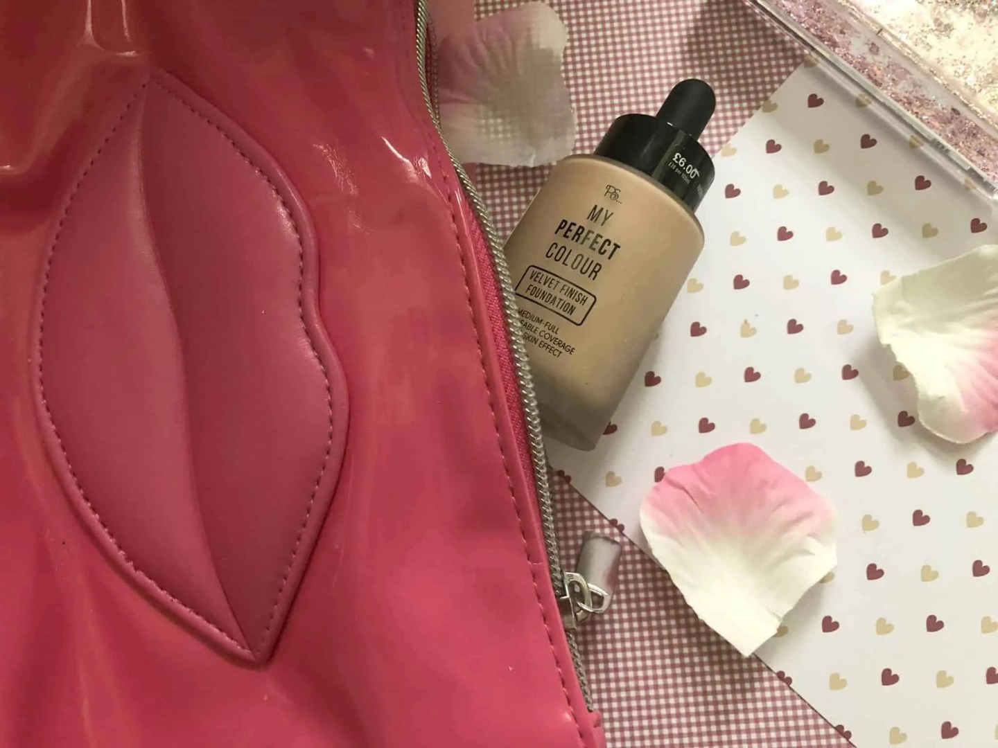 What's in my makeup bag winter edition ps velvet finish foundation
