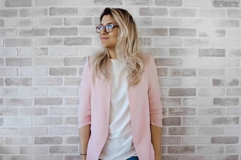 wardrobe essentials every woman should own blazer