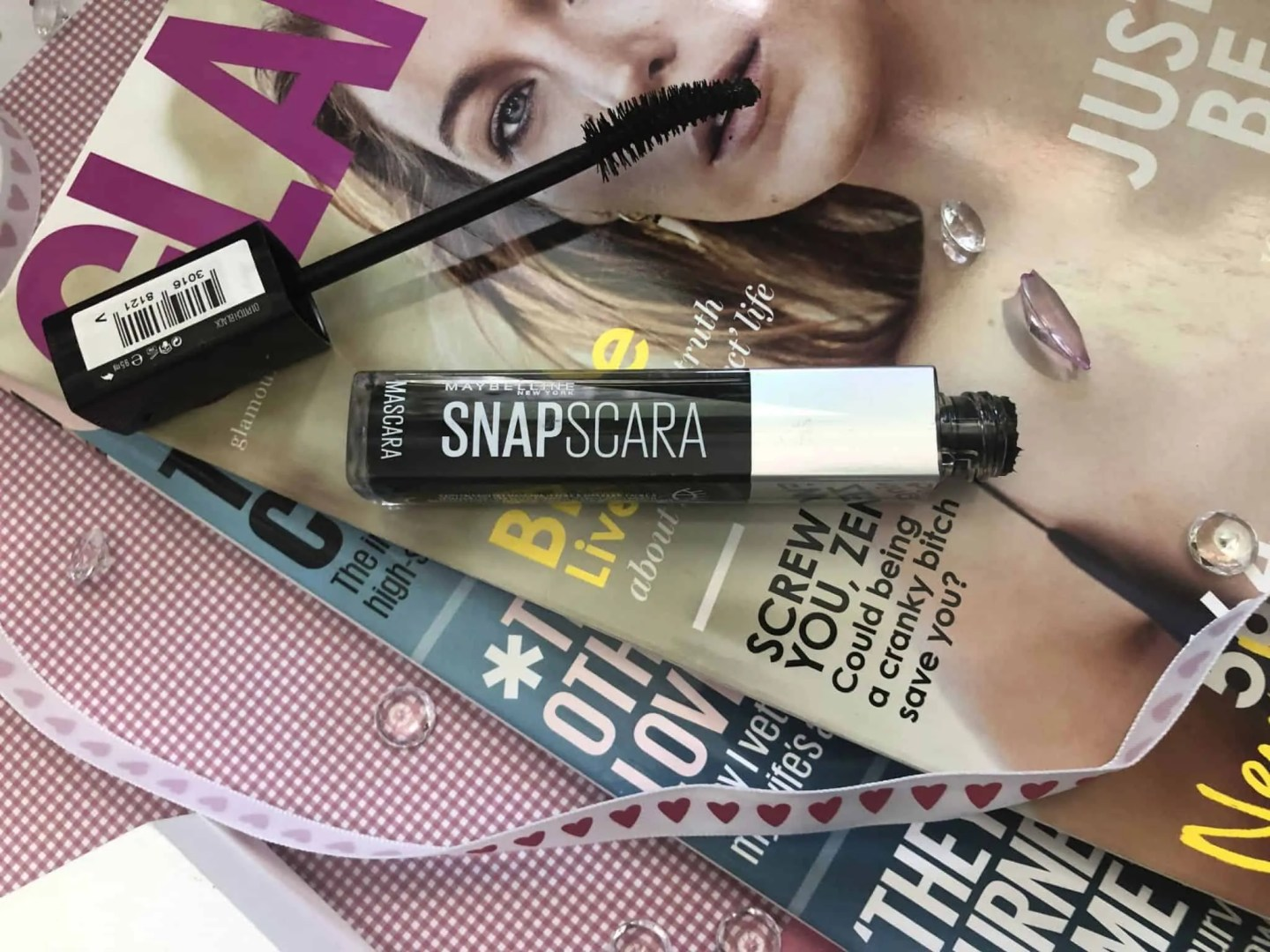Maybelline Snapscara makes applying mascara as easy as 123 1