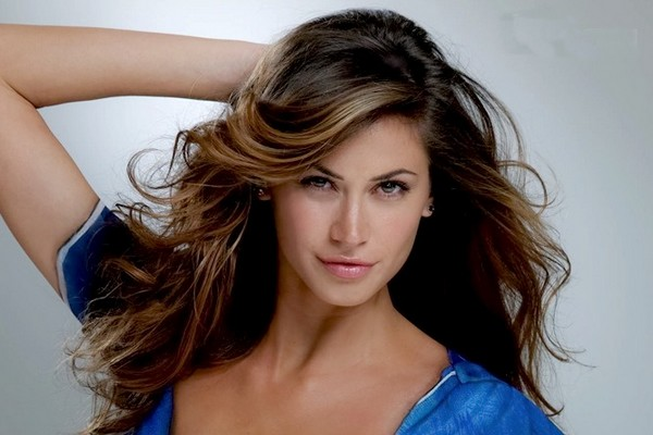 10 Countries With The Most Beautiful Women In The World-8844