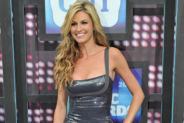 Top 10 Hottest Women Sports Reporters Glitzyworld