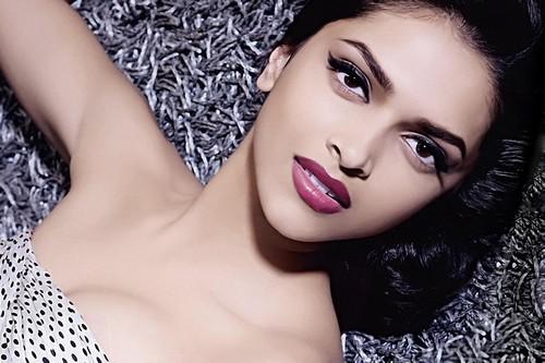 Deepika Padukone Most Kissable Actresses