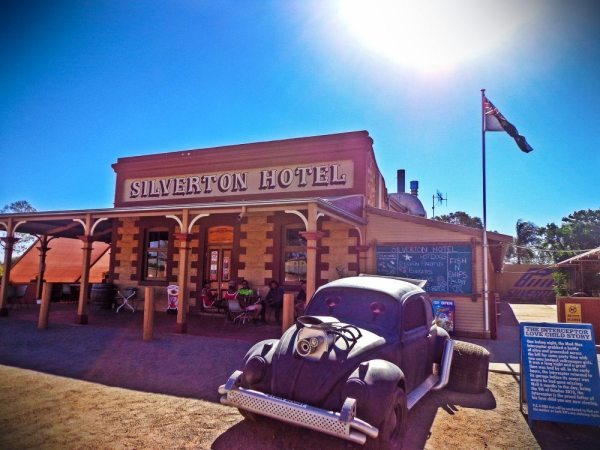 silverton hotel working holiday australia
