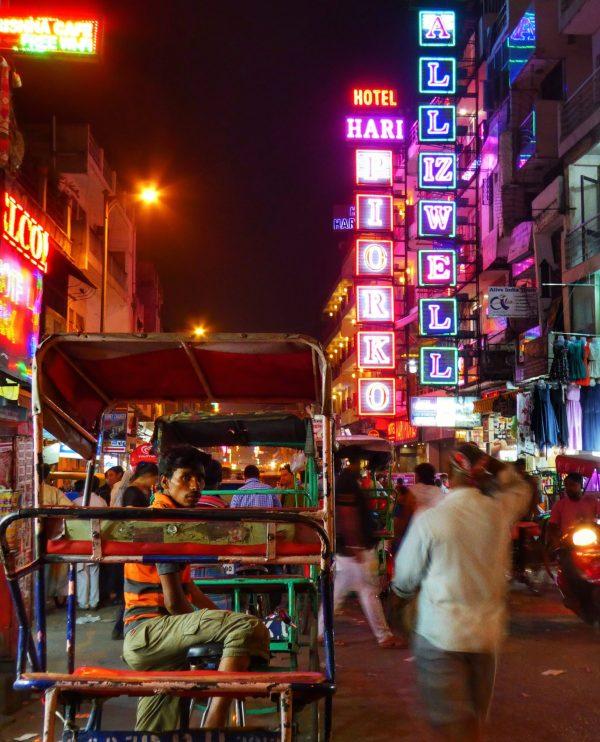 Night in Pahraganj, Delhi