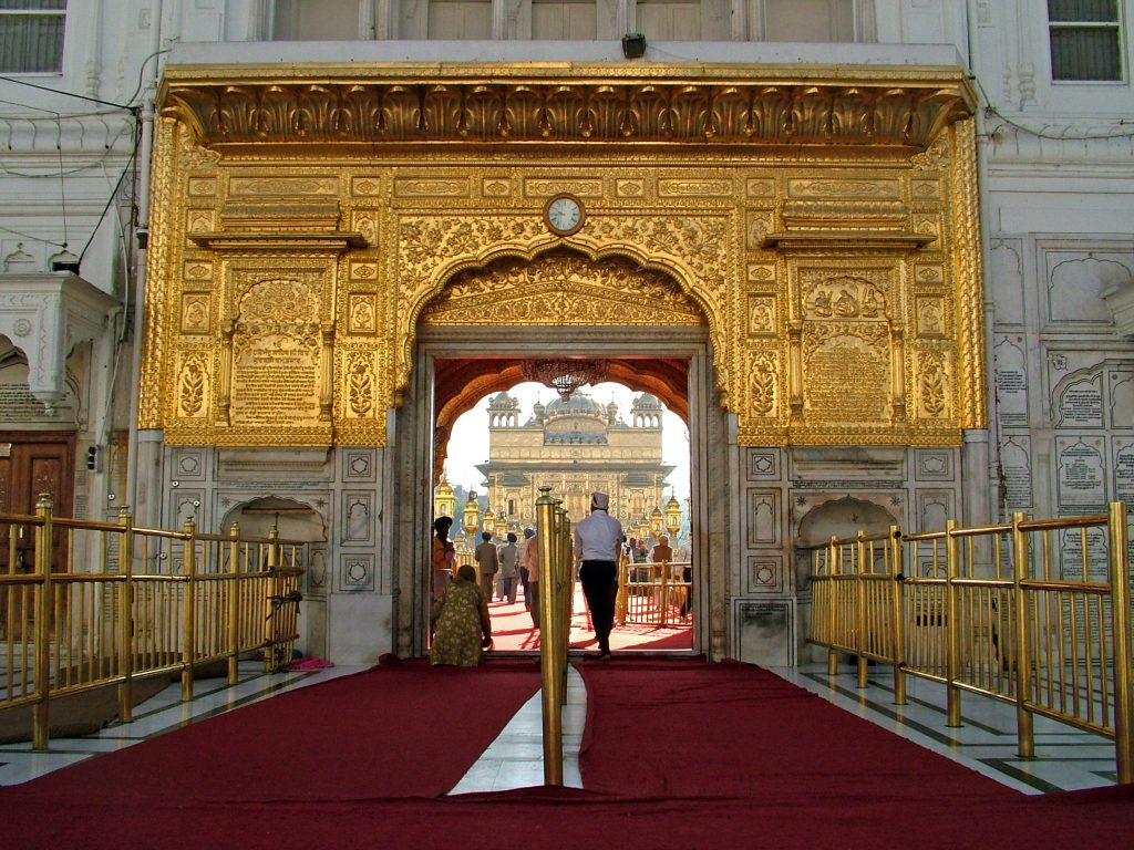 Entrance_to_Golden_Temple,_Amritsar