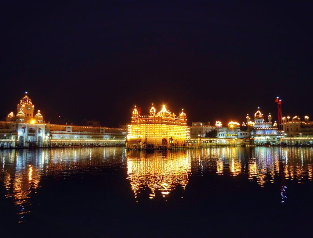 night time at the golden temple