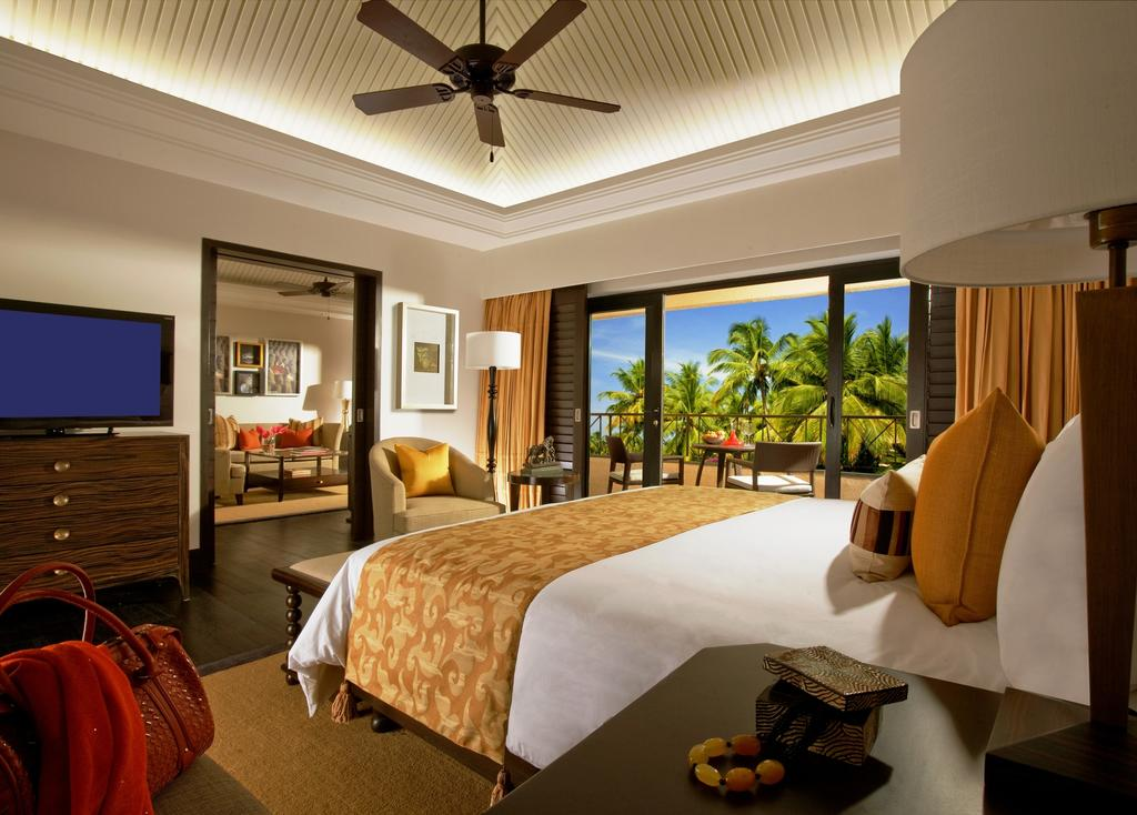 luxury room at the leela goa