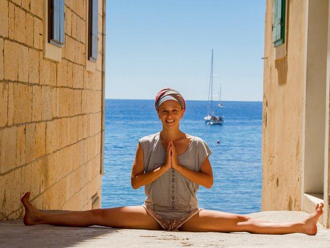 vis island yoga 2