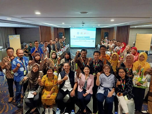 Thirty four (34) migration stakeholders participated in the training of trainers in conducting Pre-Migration Orientation Seminar. They were from the West Java Manpower Office, schools, local migration centers, migrant organizations and NGOs.