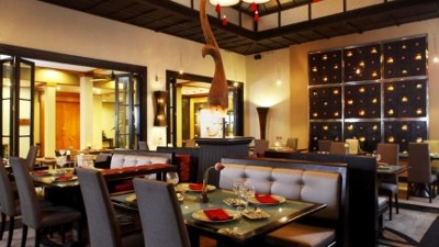 Banyan Tree's restaurant Saffron, is located at both the Phuket and Koh Samui hotels.  The Chef uses the freshest ingredients and serves Thai cuisine prepared using traditional recipes passed down through generations.  The food is delicious and the service is incredible!