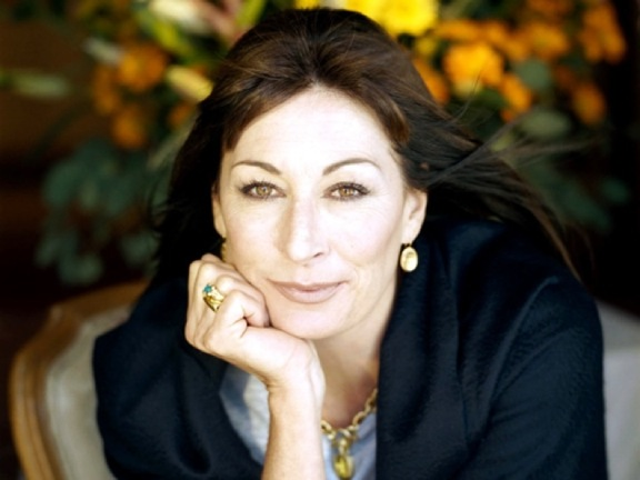 Anjelica Huston. Photo Credit: fanpop.com