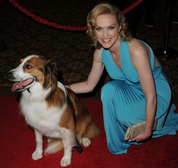 Elaine Hendrix with man's best friend Photo Credit: oneworldveggie.com