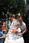 elementary students have lunch during visit to catskill animal sanctuary