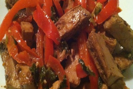 Asian-style Beyond Meat's Grilled Chicken-Free Strips sautéed with peppers and scallions./Photo credit: Lisa Singer
